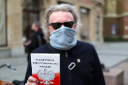 Poseł Krzysztof Mieszkowski - konstytucja - protest w obronie wolnych wyborów